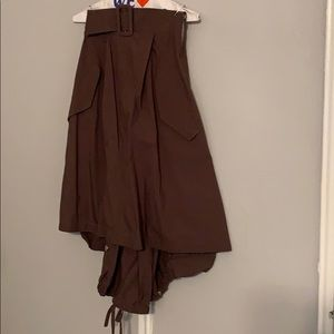 Belted brown skirt
